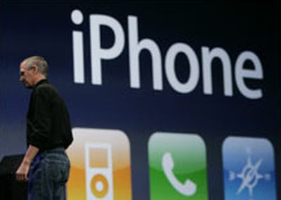 steve_jobs_iphoneap03 Cisco intenta causa ad Apple per il nome iPhone
