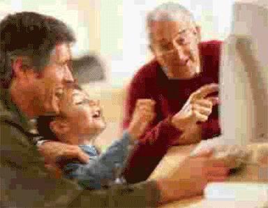 famiglia-computer-digitale-utilizzo.jpg