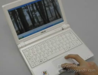 asus-eeepc-900-senza-atom-con-trackpad-multi-touch Asus EeePC 900 senza Atom ma con il Trackpad Multi-Touch